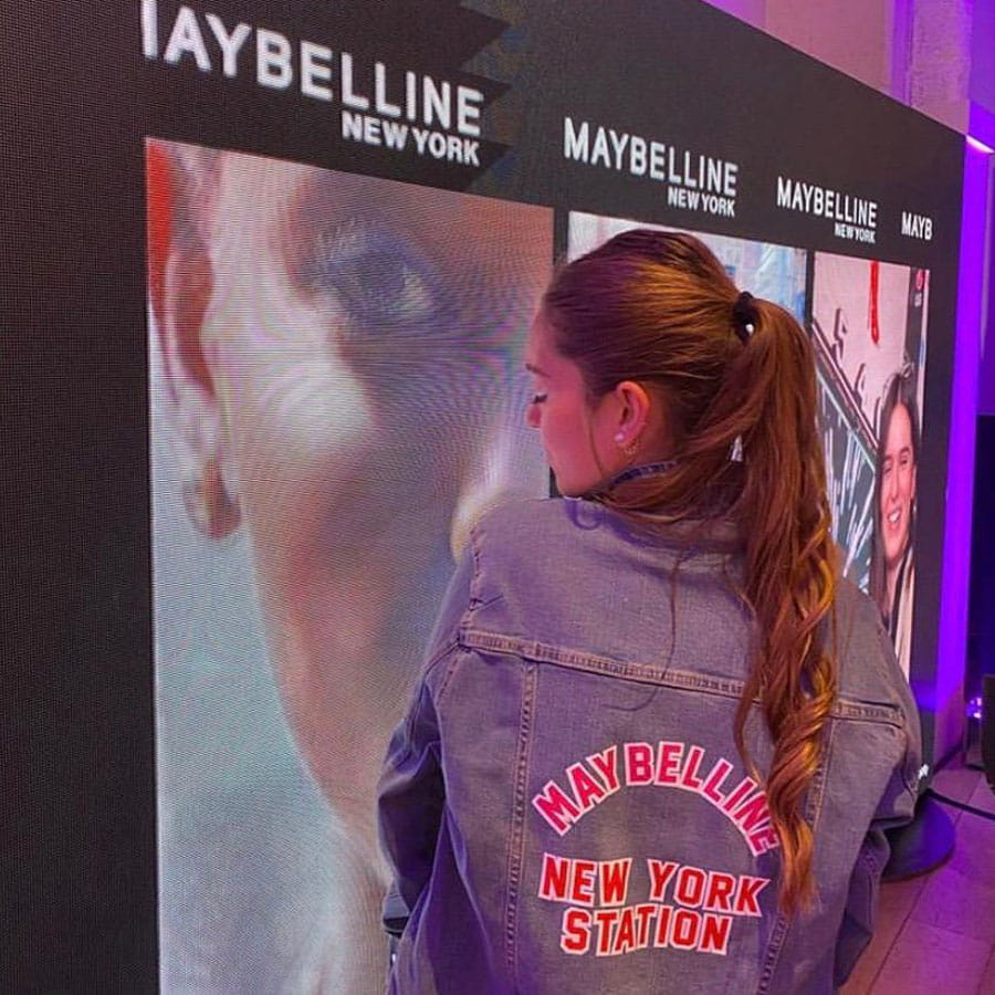 Veste-Jeans-Maybelline-New-York-Station